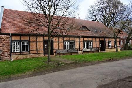Wohnen im Schinkelbau Altlangsow (Schul-u.Bethaus)