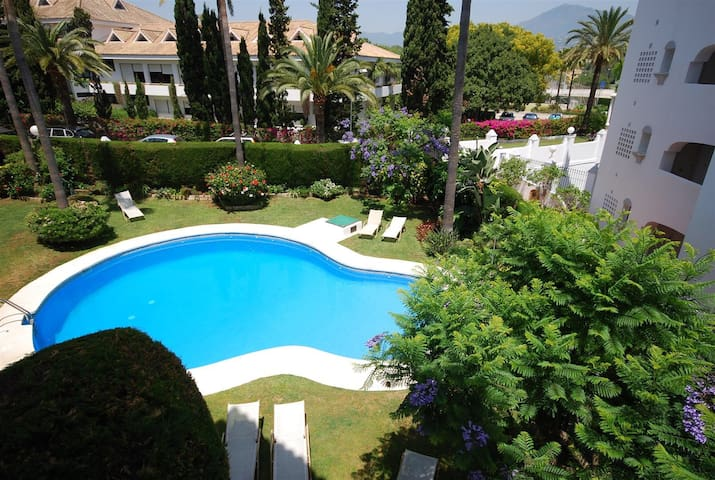 Modern 3 bed apartment with parking - Guadalmina Baja - Leilighet