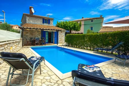Casa Nadalina with swimming pool - Talo
