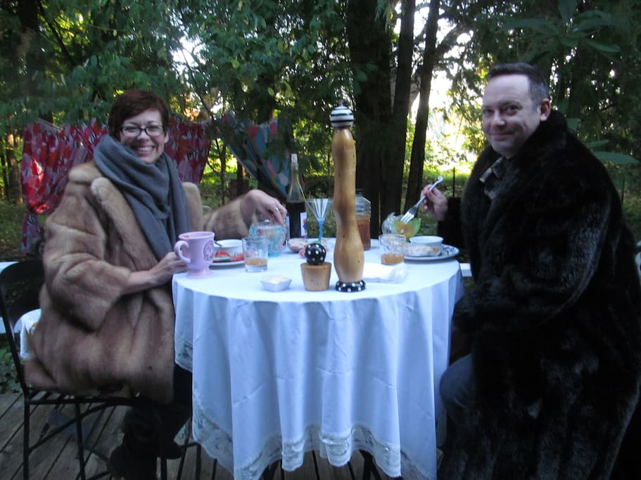 """""""Thank you so much for taking such good care of us, especially the personal attention to our crazy allergies. The picnic breakfast in fur costs was our favorite memory. We look forward to staying with you in the future."""""""