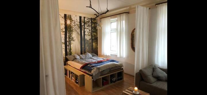 Waldzimmer in grüner Stadt-Lage