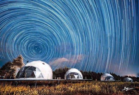 这是一个坠入银河的夜晚