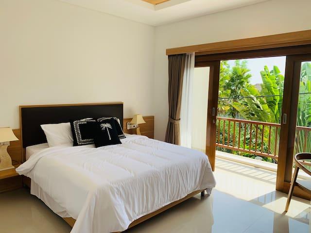 Anamira Villa: Pool, Balcony, Rice Field + more!
