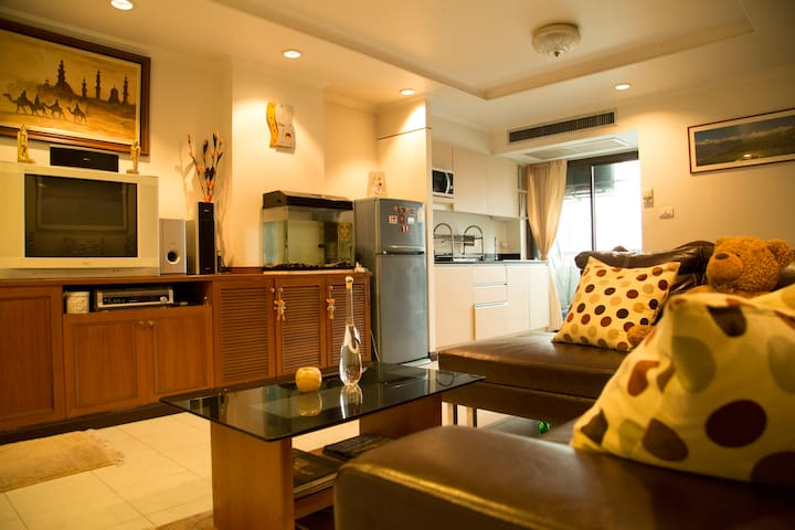 1 BDR Apartment PRATUNAM, Stay with a local host! - Bangkok - Departamento