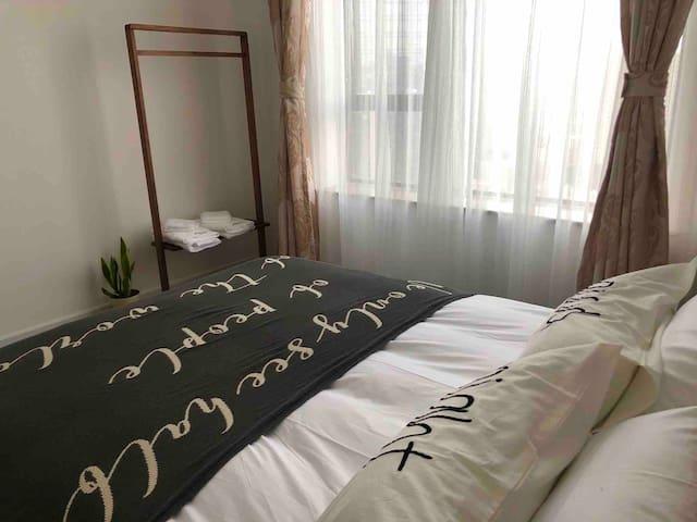 看得见城市风景的卧室2