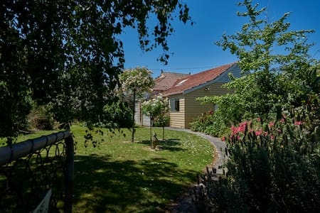 Charming farmhouse in rural area - Korumburra - Hus