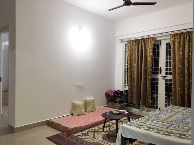 Ghar : A homely Room and Living Room in a 2 BHK