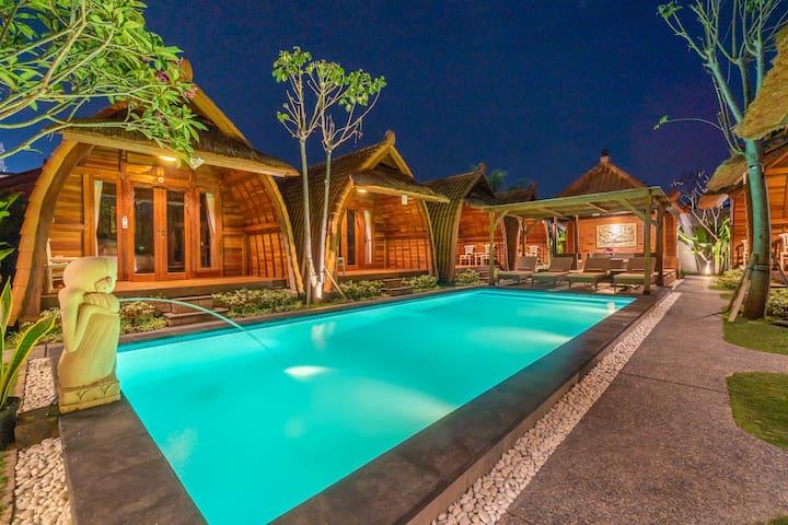 Balinese Wood Cabin Near GWK by Bukit Vista #8