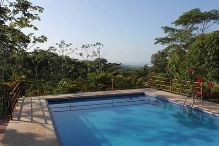 Casa de Ventanas Ojochal Costa Rica