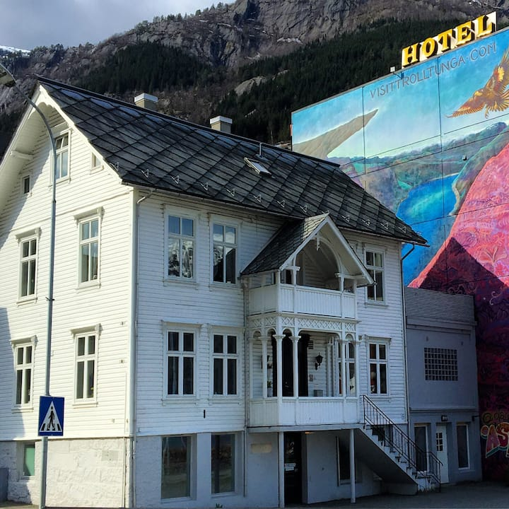 Modern apartment in the heart of Odda