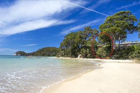 50M to SAND - ABSOLUTE BEACHFRONT - JUST RENOVATED