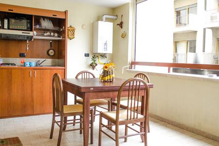 Central apartment with kitchen 4bed - Reggio Calabria - Apartment
