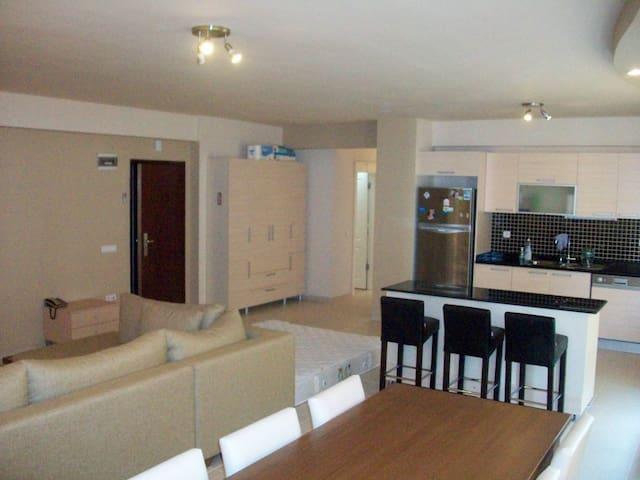 DENIZE SIFIR ELİT SİTEDE LUX ESYALI DAIRE - Çeşmeli Belediyesi - Apartment