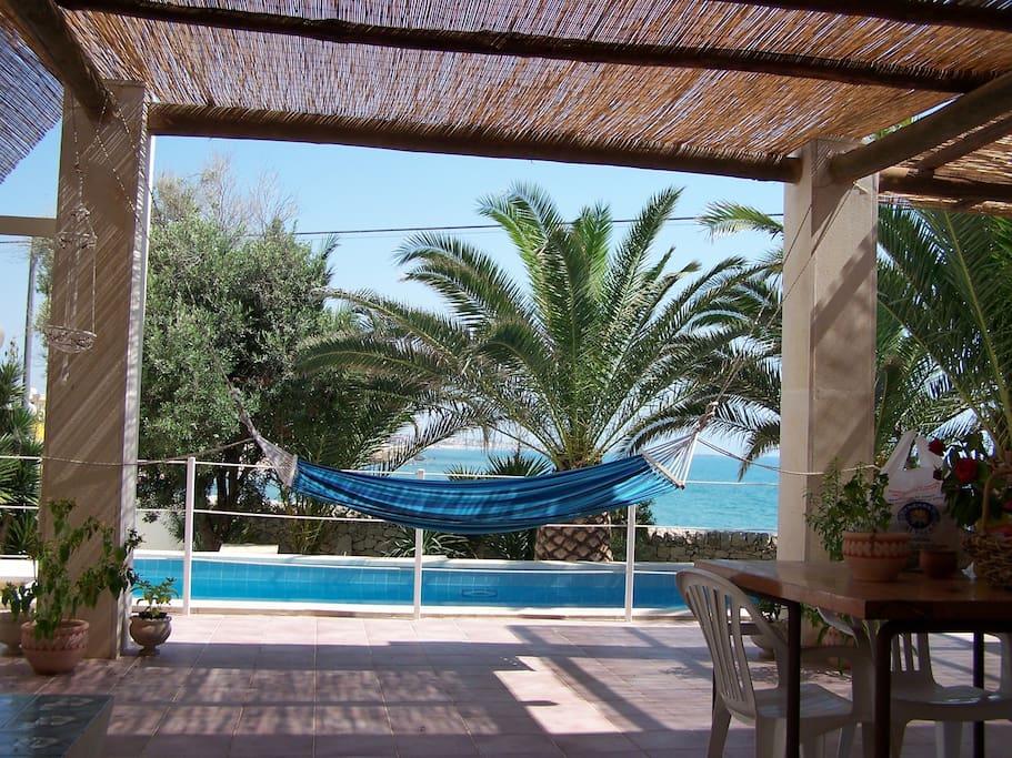 Villa con piscina a 10metri dal mare ville in affitto a - Villa con piscina sicilia ...