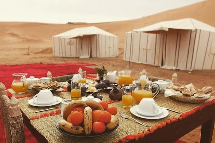 Morocco tours. Desert Trekking. Luxury camp
