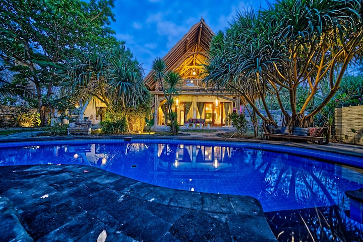 Beautiful 2 Bedroom Bamboo Villa @ Villa Nangka