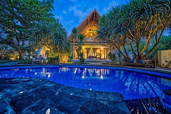 Beautiful 2 Bedroom Bamboo Villa @ Villa Nangka