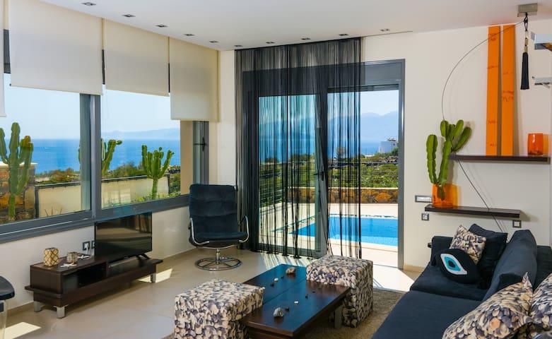 Villa Meltemi with a private pool
