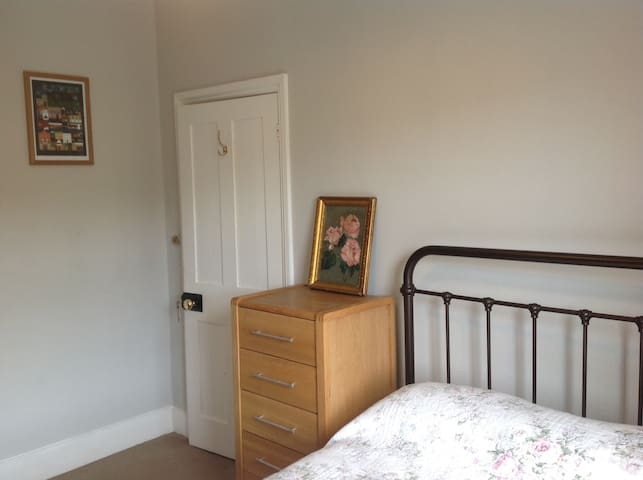 A room in a lovely central Lewes Victorian house.