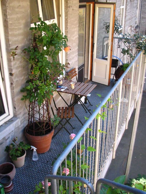 Central with balcony and hammock apartments for rent in for Hammock for apartment balcony