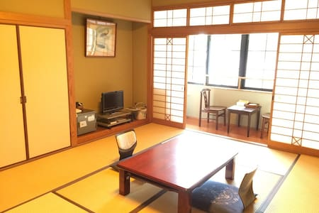 Japanese style room (without bath, restroom)