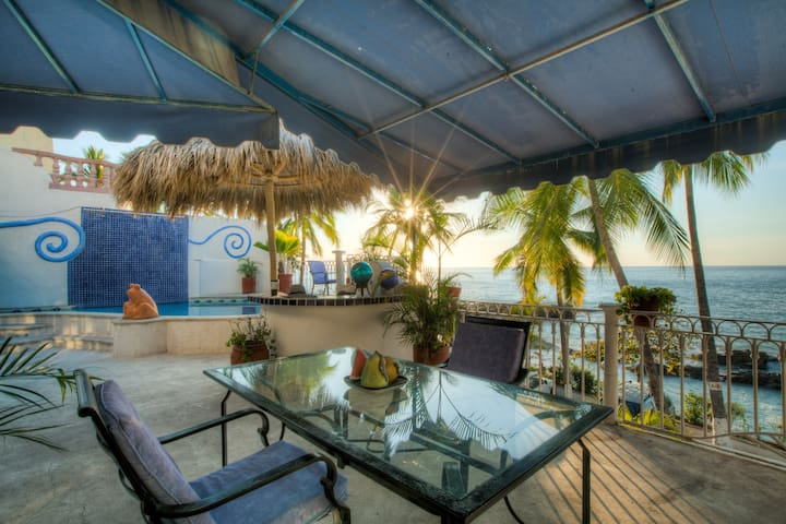 3Bedroom Private Pool Seaside Condo