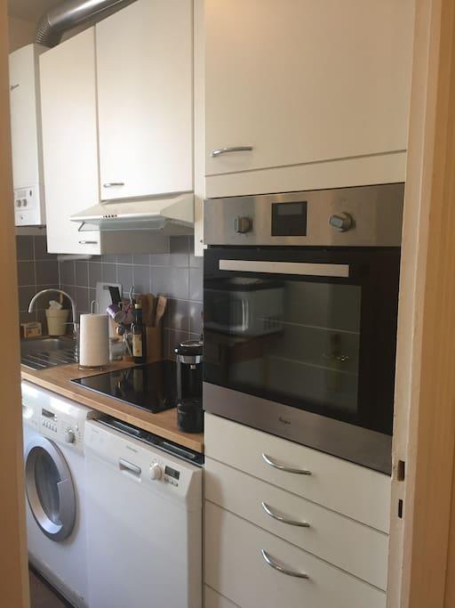 Mobilier et appareils ménagers de la cuisine