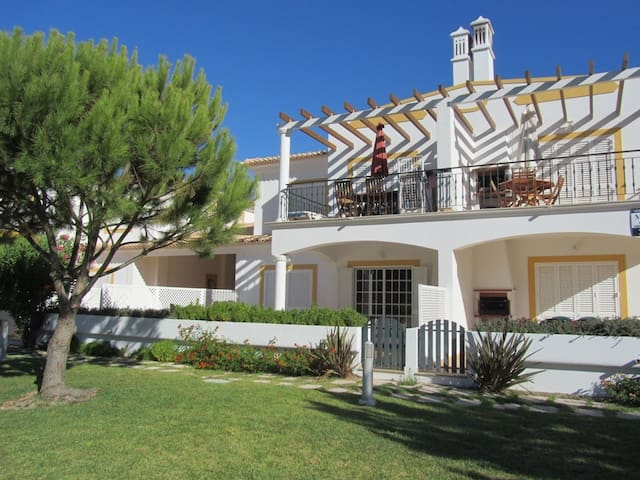 Algarve apartment at Falesia beach - Albufeira - Huoneisto