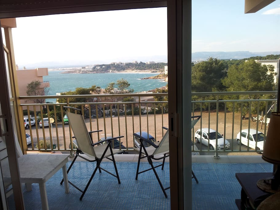 1min to beach huge terrace pool appartements louer salou catalogne espagne. Black Bedroom Furniture Sets. Home Design Ideas