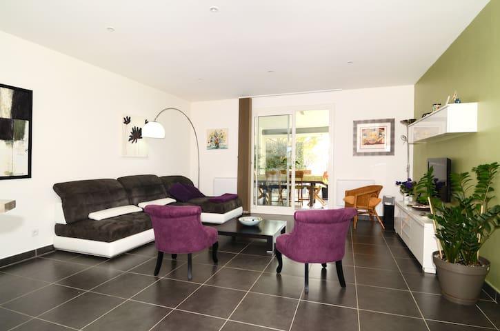 Villa et studio à Coudoux / Aix   - Coudoux - House