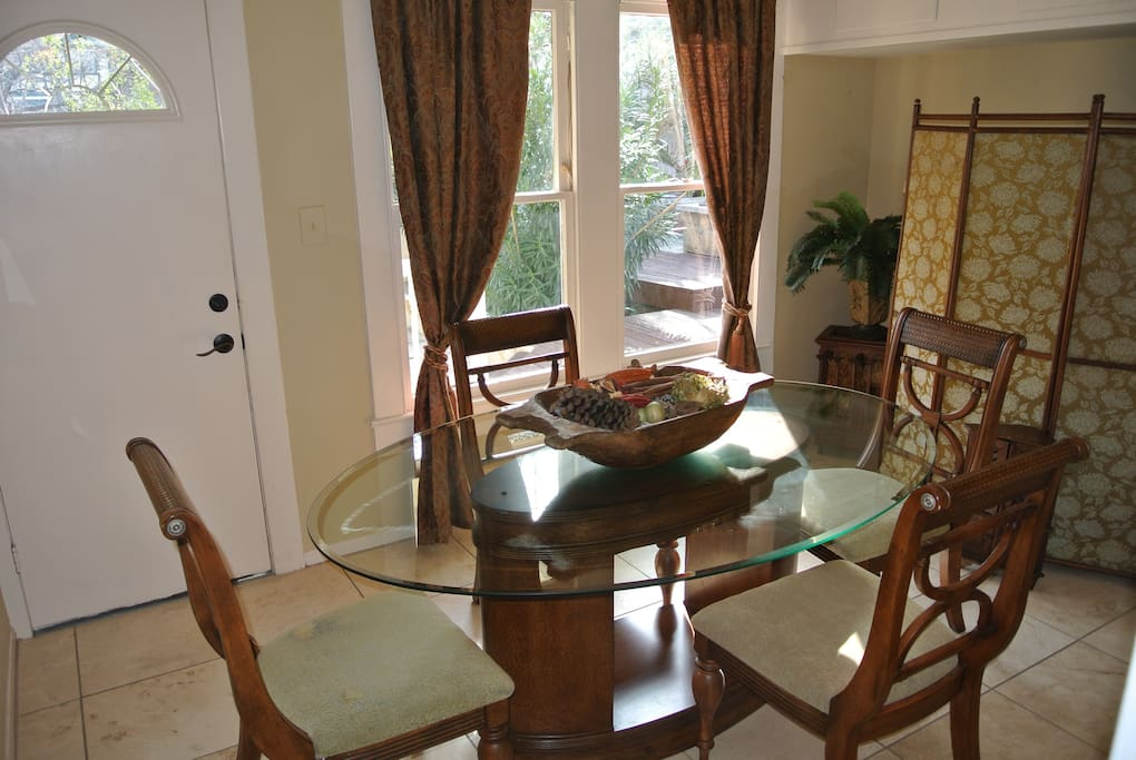 Dining Room: Comfortably serves 4-6