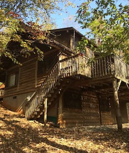Post-and-beam Cabin on 100 Acre Nature Preserve - Millers Creek