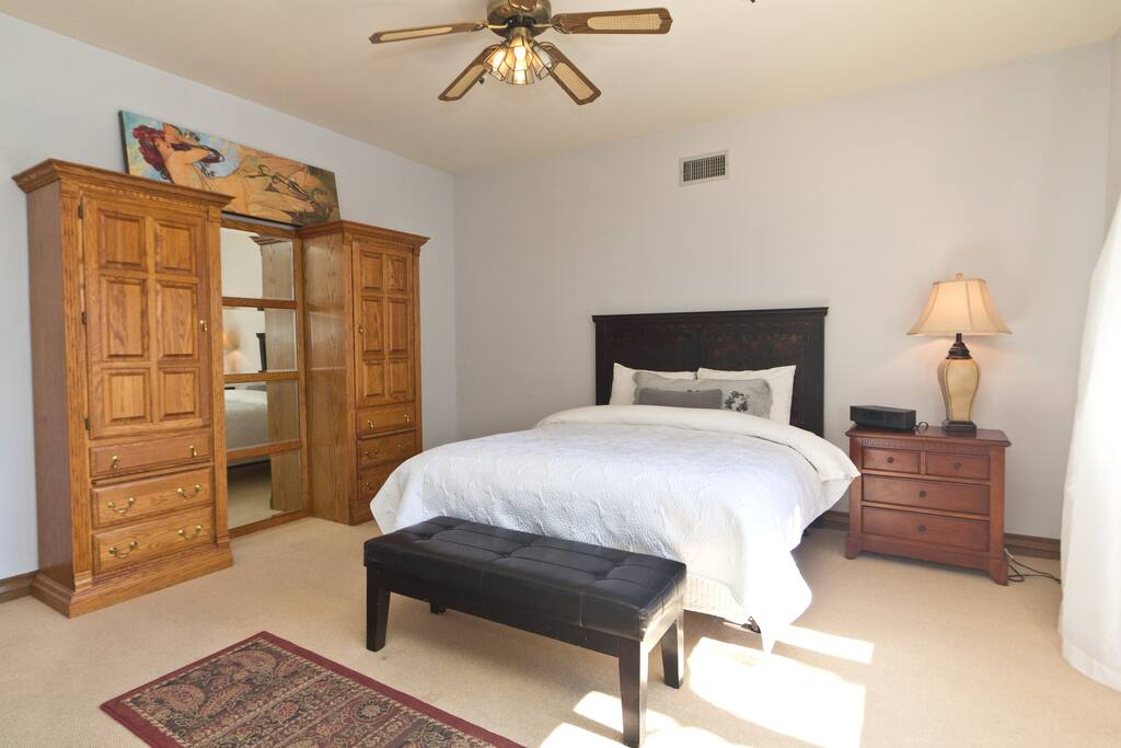 Luxurious 2bd/2ba suite, Pool & Spa