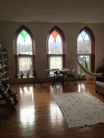 LOFT living in Shelburne Falls Ma - Shelburne - Apartment