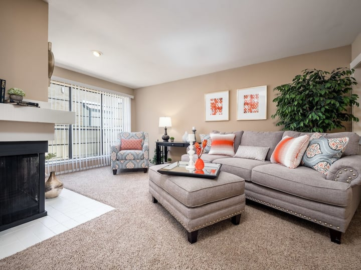 Relax in comfort | 1BR in Dallas