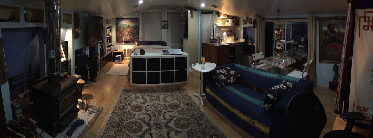 Kool flat in Woburn - Woburn - Loft