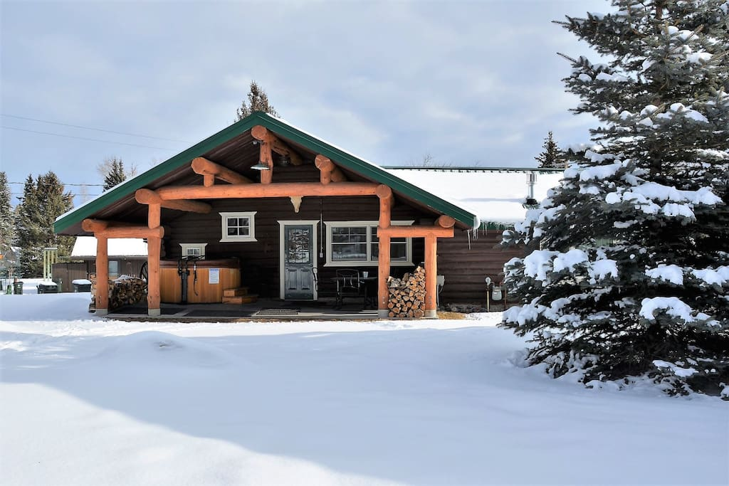 Winter time activities at the Rendezvous Lodge