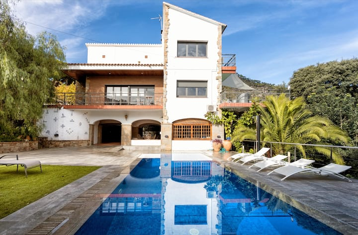VILLA BURRIAC★SUNNY★SPACIOUS★ PRIVATE POOL