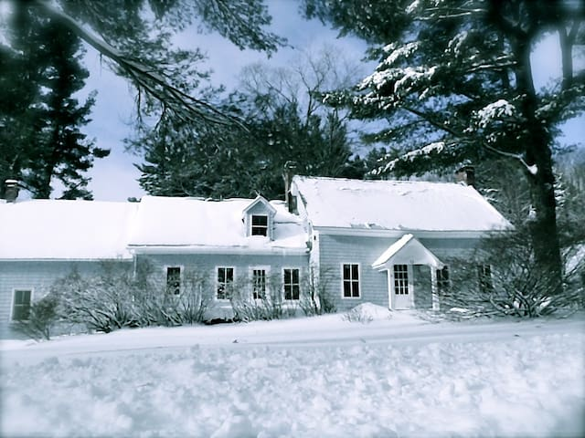 1830's Farmhouse, Windham Vermont - Windham - House