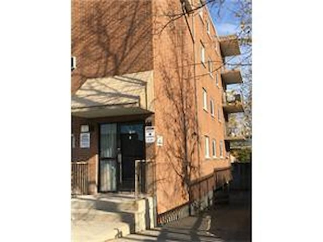 1 BD Condo up to 4 ppl in Niagara Falls Downtown - Niagara Şelaleleri - Daire