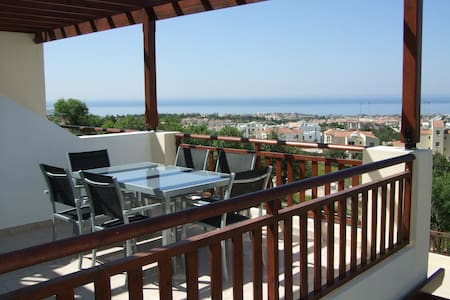 Apartment with stunning sea views - Peyia