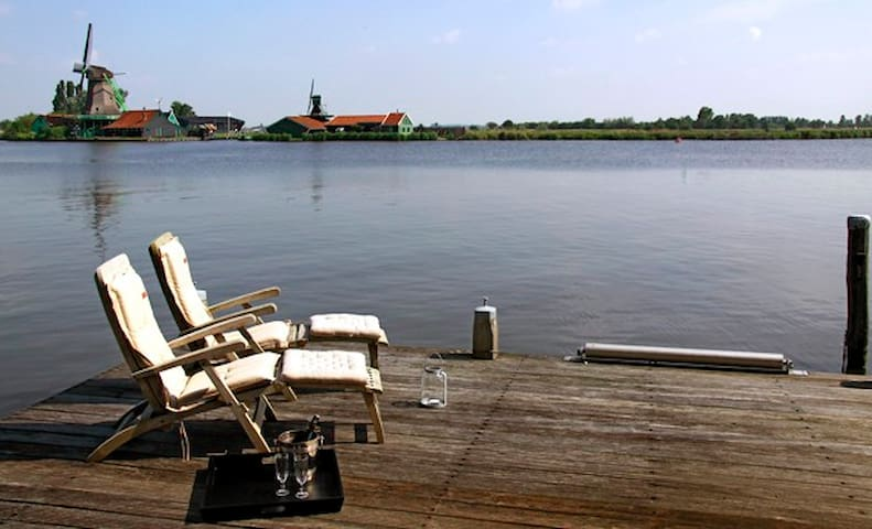 Unique B&B close to A'dam next to Zaanse Schans - Zaandijk - Bed & Breakfast
