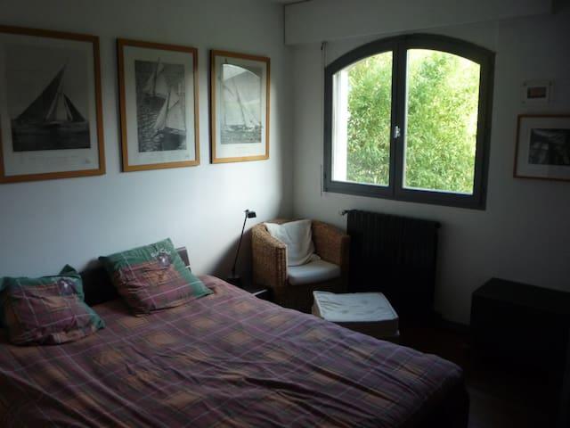 ROOM RENTAL comfort - Cormeilles-en-Parisis - Bed & Breakfast