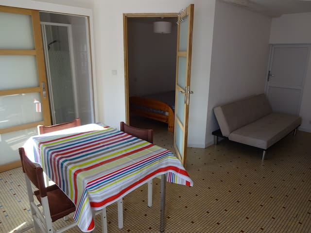 logement 2 pieces vienne 86 meublé - Lhommaizé - House