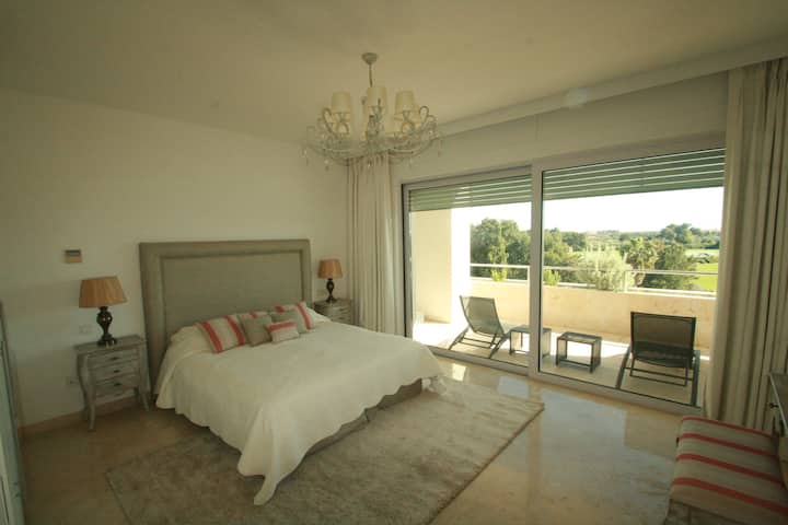 Sotogrande Luxury Penthouse & Panoramic Roof