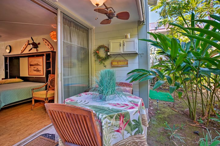 Ideally Located Studio w/Lanai in Kailua Kona