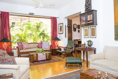 Calm and serene room in Bandra