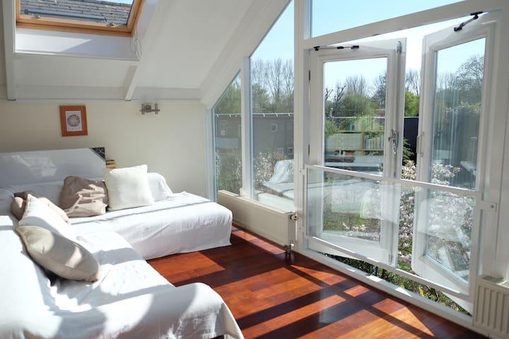 Private floor (50 m2/538ft2) in Amsterdam Noord