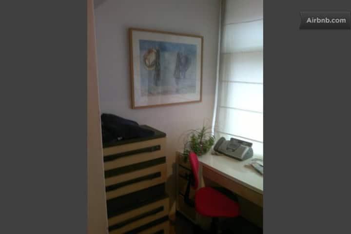 Cute Room in  Den Haag Centrum