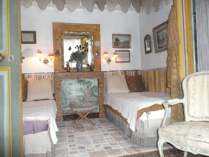 authentic & unusual in Provence
